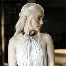 who is the blonde in the game of heroes commercial game of thrones emilia clarke blonde hair pret a reporter