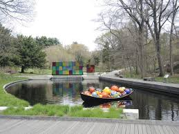 dale chihuly reprises his new york botanical garden show i artnet news