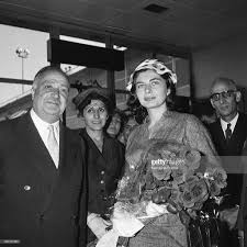 bureau de change orly orly airport arrival of empress soraya in september 1956