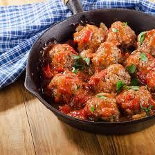 cuisiner des boulettes de boeuf recette boulettes de boeuf à la sauce tomate