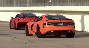 viper or corvette viper ta vs corvette z06 vettetv