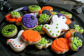 halloween cookies skullsandstuff