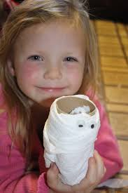 Toilet Paper Roll Crafts For Halloween by Creating A Simple Halloween Craft Using Toilet Paper Rolls
