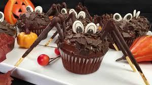 halloween special gruselige spinnen cupcakes schoko muffins