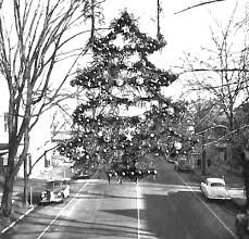 christmas lights making history bicentennial logandaily com
