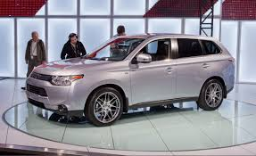 mitsubishi outlander reviews mitsubishi outlander price photos