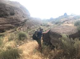 io is walking pacific crest trail 2017 trail journal i m overwhelmed there are so many people here that i don t recognize did we jump another bubble but then we see butcher young gun boots we set up