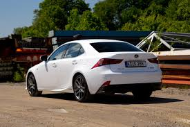 lexus is300h autoweek lexus is300h rijtest en video autoblog nl