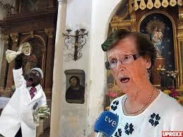 Jesus Fresco Meme - the lady who destroyed the jesus fresco now wants to get paid
