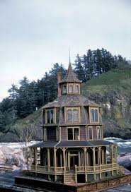 best ideas about octagon house pinterest yurts yurt noel and pat thomas the octagon house miniature all houses are newly built