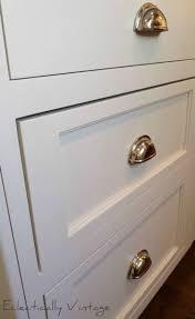 handle for kitchen cabinets best 20 kitchen drawer pulls ideas on pinterest kitchen cabinet
