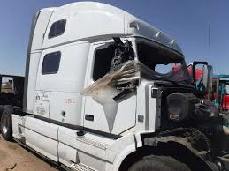 volvo vnl salvaged truck cab for a 2013 gmc volvo white vnl200 for