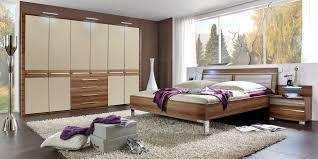 Schlafzimmer Aus Holz Schlafzimmer Modern Aus Holz Bezaubernde Auf Moderne Deko Ideen