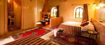 chambre d hote au maroc désert marocain la maison d hôtes seggaoui dans les dunes de merzouga