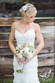 emily and vance shabby chic wedding photos at cedar bend events