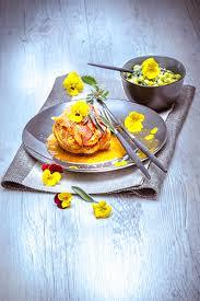 cuisiner les fleurs recettes fleurs comestibles paupiette veau sauge petits pois pensees