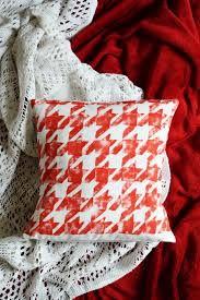 diy houndstooth patterned cushion cover