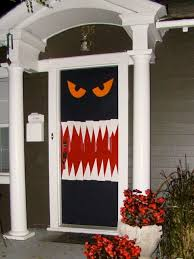 horrifying halloween decorations prompt neighbors to call 911
