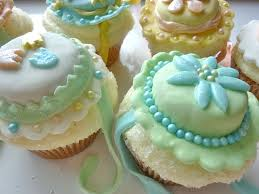 diary of a mad hausfrau easter bonnet cupcakes