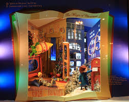 christmas holiday windows on state street a chicago tradition