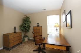 one bedroom apartments in normal il bayberry village apartments normal il apartment finder