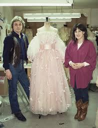 the epic story of princess diana u0027s wedding dress 3 months 25