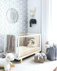 déco chambre bébé gris et blanc chambre bb gris et jaune trendy mlange de couleurs et motifs