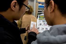 black friday 2016 laptop deals in best buy shoppers line up to nab black friday specials in las vegas valley