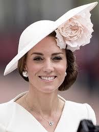 kate middleton earrings princess kate wears magnetic earrings