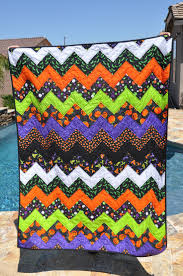 the 63 best images about halloween quilts on pinterest quilt