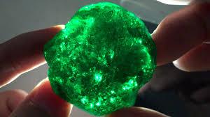 Emerald How To Make A Gemstone Slime Emerald Green Slime Kryptonite