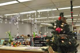 office christmas decorations ideas office decor ideas for your