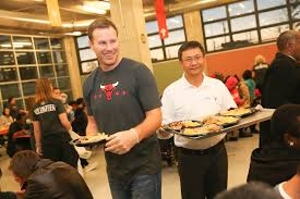 chicago bulls and zte usa host 14th annual thanksgiving dinner for