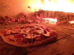 masonry pizza oven burning pizza oven lite