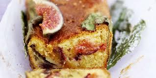 cuisiner des figues fraiches cake aux figues fraîches recettes femme actuelle