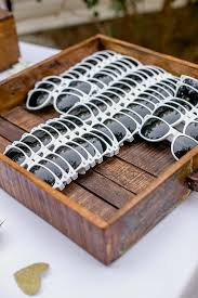 best 25 inexpensive wedding favors best 25 wedding sunglasses ideas on wedding favours