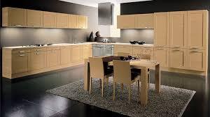 cuisine en bois massif moderne cuisine contemporaine en bois massif en plaqué bois en bois
