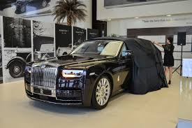 roll royce ghost 2018 rolls royce phantom makes middle eastern debut bahrain
