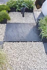 plaque ardoise jardin galets et graviers pour amménager votre jardin leroy merlin