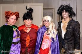 hocus pocus halloween costume 14 couples costumes and group costumes we loved at last year u0027s