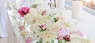 wedding flowers kent wedding flowers in kent a white hot wedding