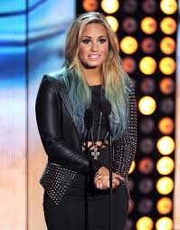 demi lovato hair extensions demi lovato launches colored hair extensions line so now you can