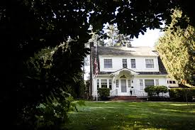 monroe house tour laura palmer s iconic twin peaks home in monroe heraldnet com