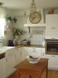 chic kitchen 33 amazing country chic kitchens brimming with character