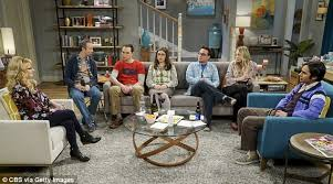 how many people like penny on the big bang theory new hair big bang theory s kaley cuoco visits penny s hometown daily mail