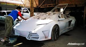 lamborghini reventon crash a modification workshop in bandung designed a quite accurate