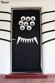 Scary Halloween Door Decorations by Halloween Door Decorations Diy Silly Spider Darice Halloween