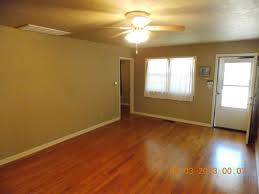 Laminate Flooring Cutter Rental Good Questions Dealing With The Ugly Brown Carpet In A Rental