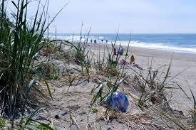 beach of glass spring break marks largest glass art drop yet oregon coast