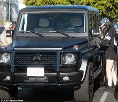 kris jenner mercedes suv jenner 16 crashes 125 000 mercedes suv just 18